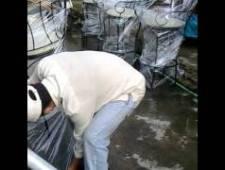 Phủ màng PE bảo vệ sản phẩm bàn ghế sắt