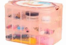 Hộp đựng trang sức bằng nhựa nhiều ngăn tiện dụng bạn nên có